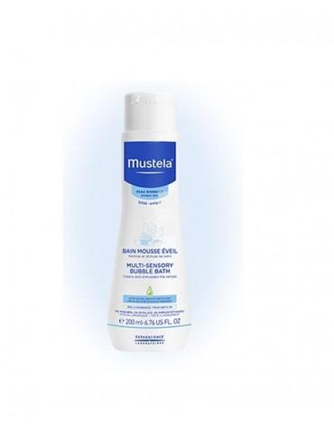 Mustela Babygel 750 ml. Limpia con suavidad y sin resecar la piel del bebé.